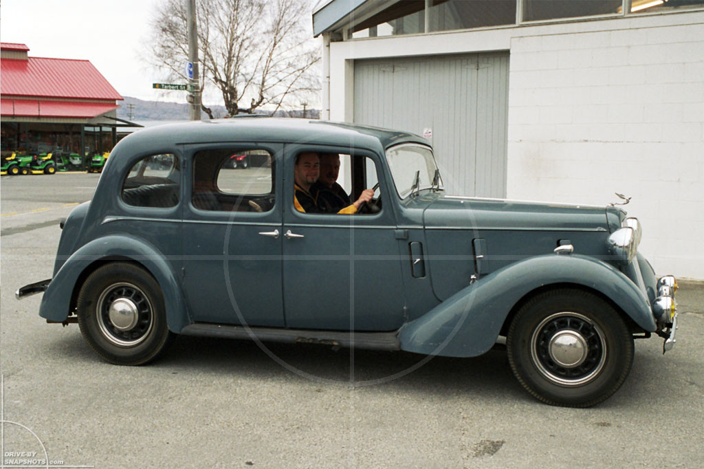 Austin Six New Zealand | Drive-by Snapshots by Sebastian Motsch (2004)