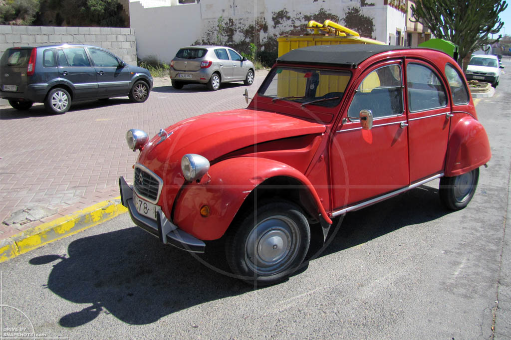citro n 2cv deux chevaux quite literally drive by snapshots. Black Bedroom Furniture Sets. Home Design Ideas