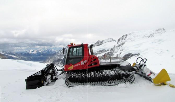 Kässbohrer Pistenbully Jungfraujoch | Drive-by Snapshots by Sebastian Motsch (2011)