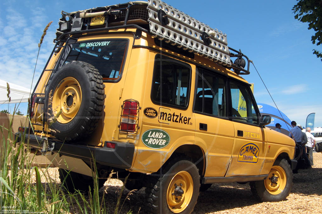 Land Rover Discovery Mk1 Camel Trophy | Drive-by Snapshots by Sebastian Motsch (2010)