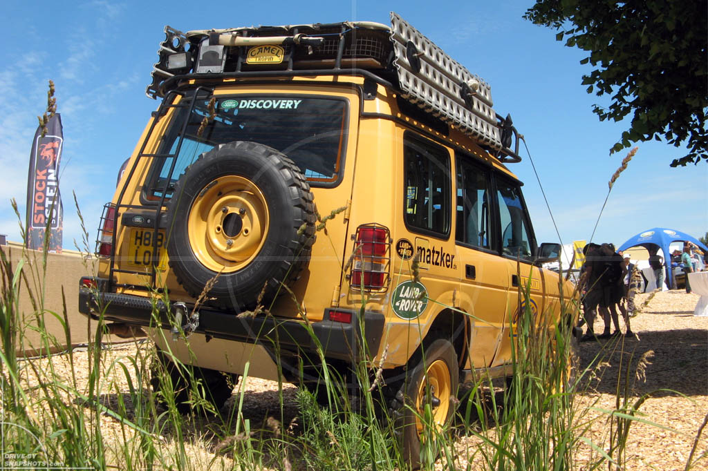 Land Rover Discovery Mk1 Camel Trophy Survivor Drive By Snapshots
