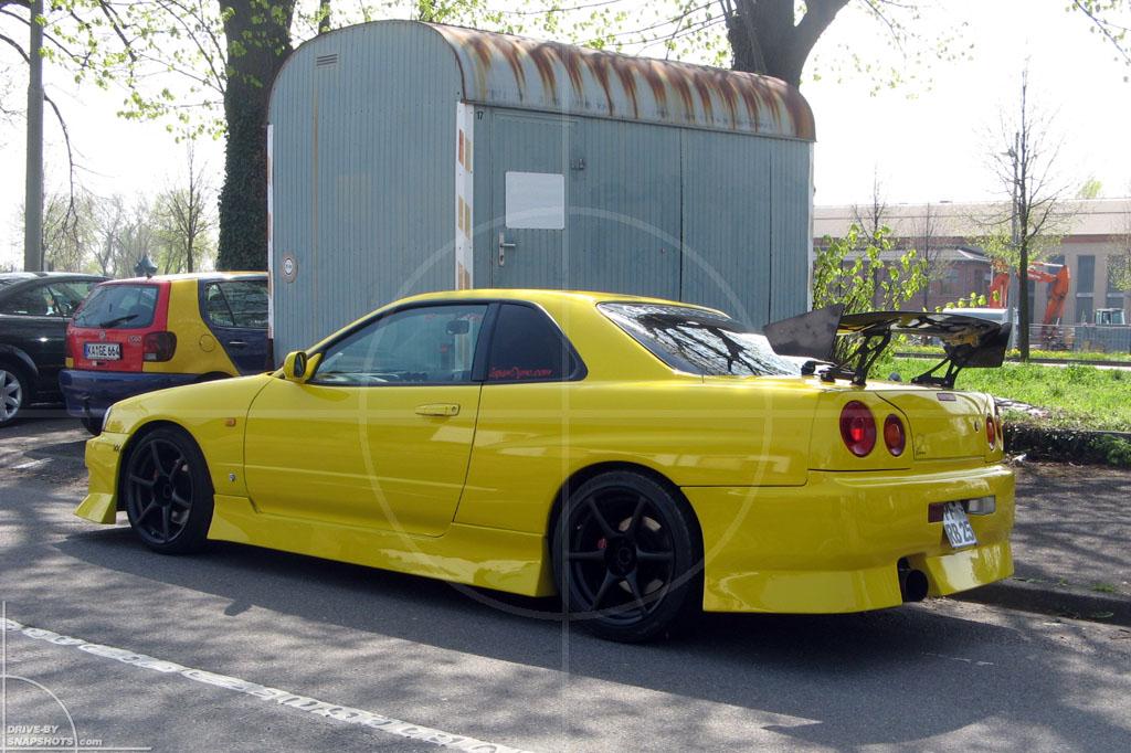 Nissan Skyline GT-R 34 Yellow Drifter | Drive-by Snapshots by Sebastian Motsch (2010)