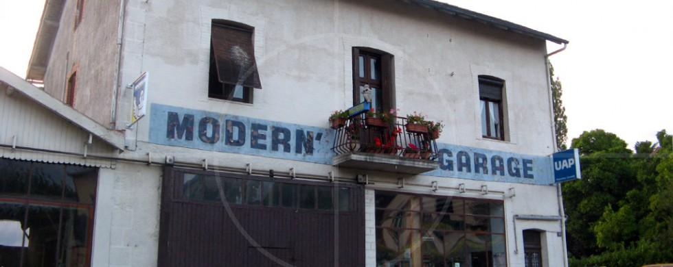Modern Garage France | Drive-by Snapshots by Sebastian Motsch (2009)