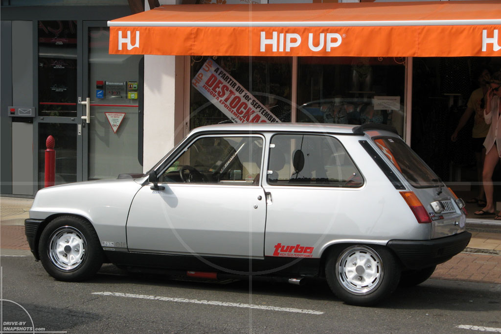 Renault 5 A5 Turbo | Drive-by Snapshots by Sebastian Motsch (2009)