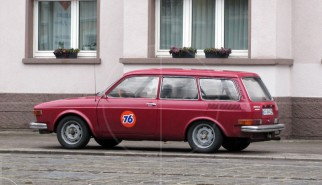 Volkswagen 412 Variant | Drive-by Snapshots by Sebastian Motsch (2010)