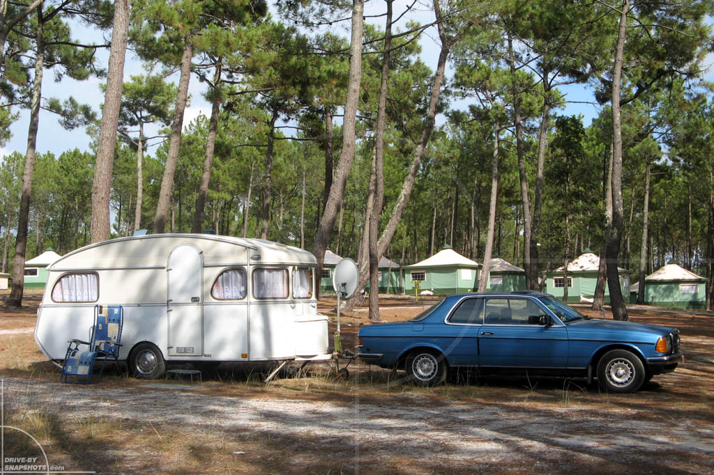 Mercedes-Benz W123 Coupe with Constructam Caravan | Drive-by Snapshots by Sebastian Motsch (2009)
