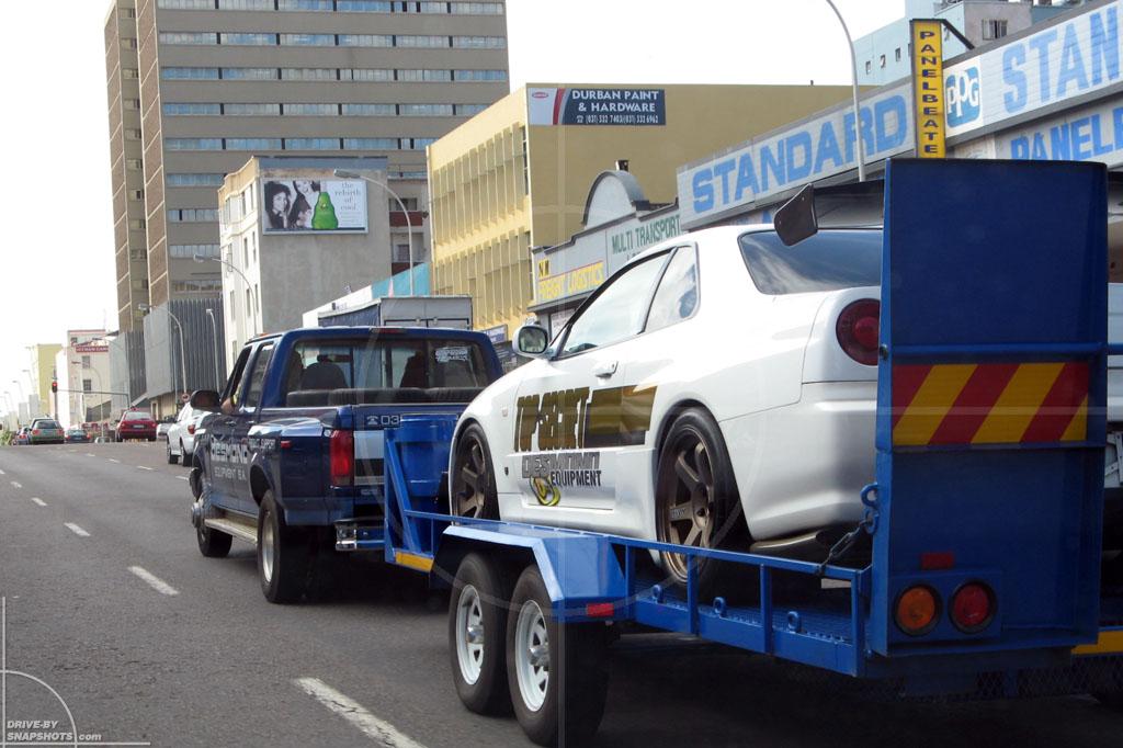 Nissan Skyline GT-R 34 Durban   Drive-by Snapshots by Sebastian Motsch (2008)