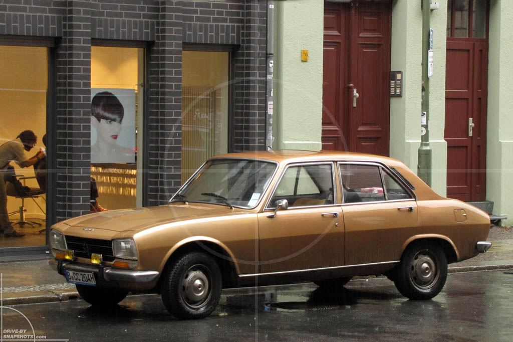 Peugeot 504 Golden Brown | Drive-by Snapshots by Sebastian Motsch (2012)