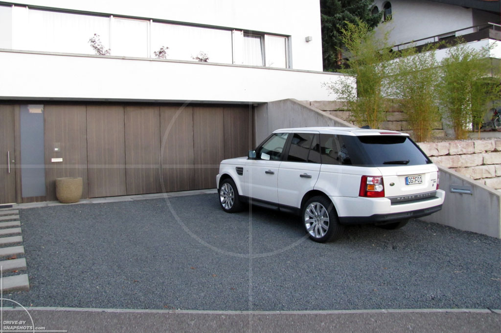 Range Rover Sport Matching Background | Drive-by Snapshots by Sebastian Motsch (2011)