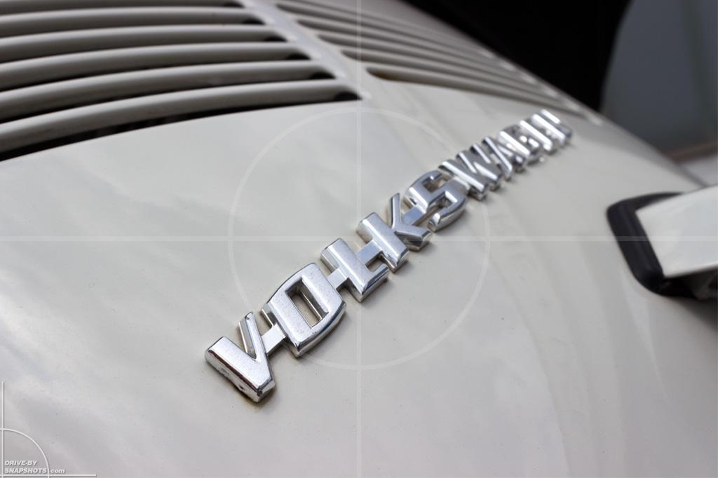 Volkswagen Käfer Cabrio | Drive-by Snapshots by Sebastian Motsch (2014)