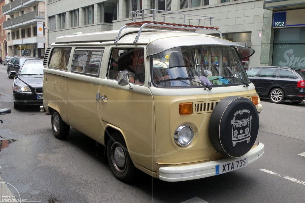 Volkswagen T2b Emotions | Drive-by Snapshots by Sebastian Motsch (2012)