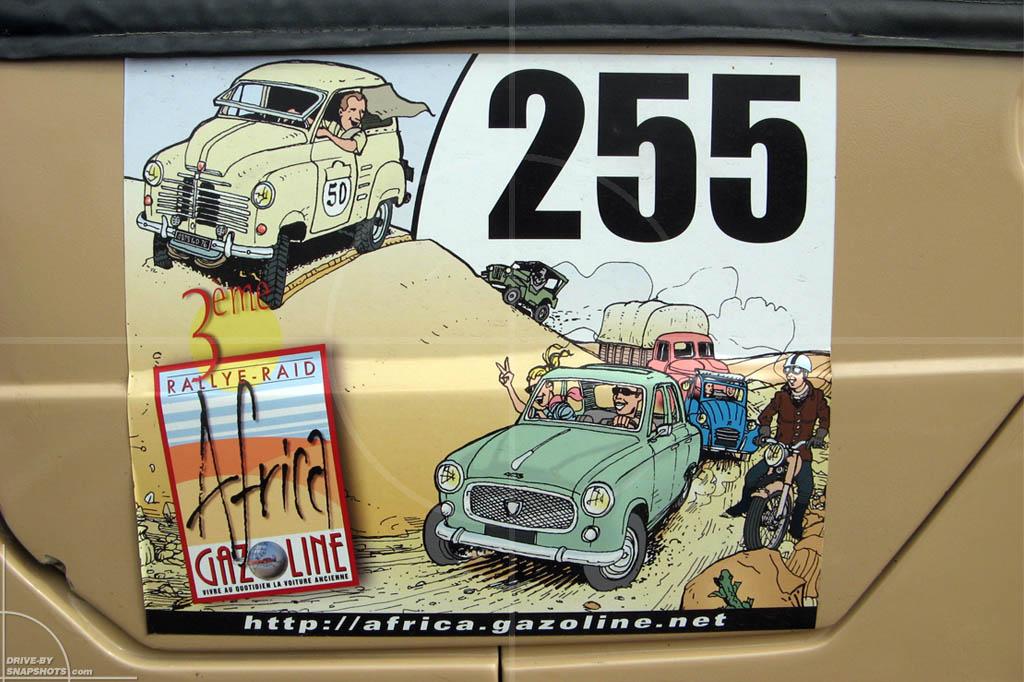 Eurl Garage Reitz Louannec | Drive-by Snapshots by Sebastian Motsch (2010)