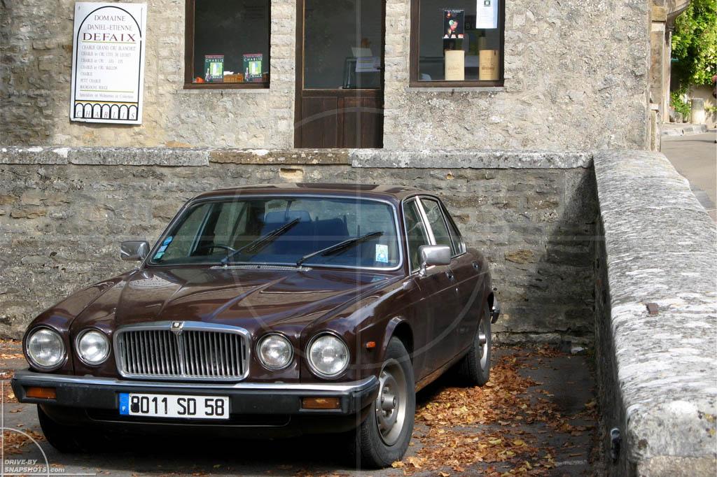 Jaguar XJ Mk2 | Drive-by Snapshot by Sebastian Motsch (2010)