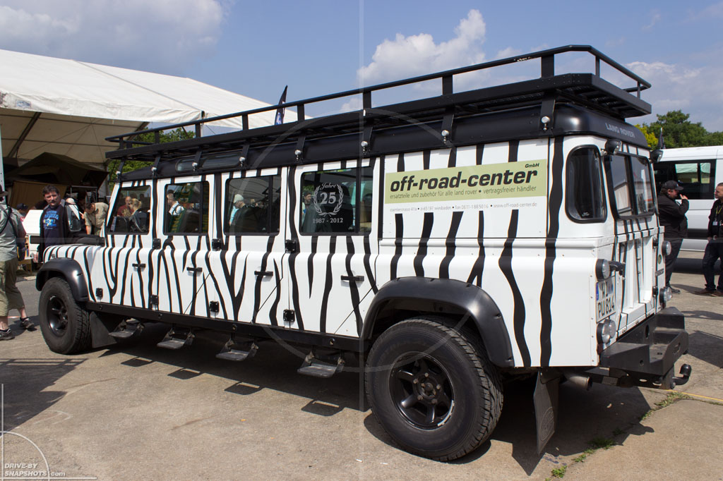 Land Rover Defender Stretchlimo | Drive-by Snapshots by Sebastian Motsch (2014)