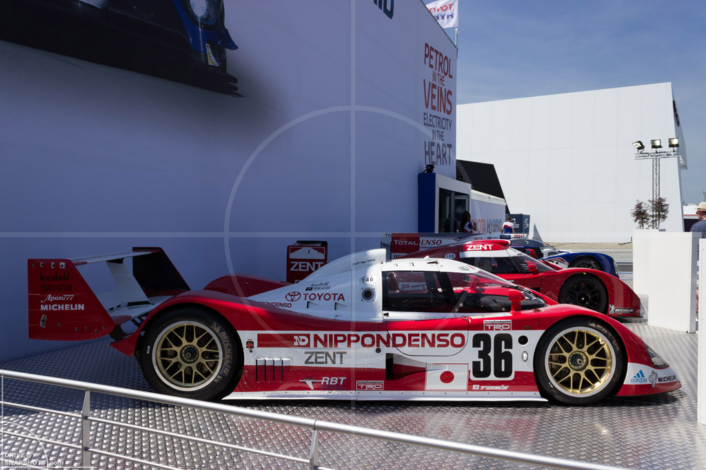 Toyota LMP1 TS010 Le Mans 2014   Drive-by Snapshots by Sebastian Motsch (2014)