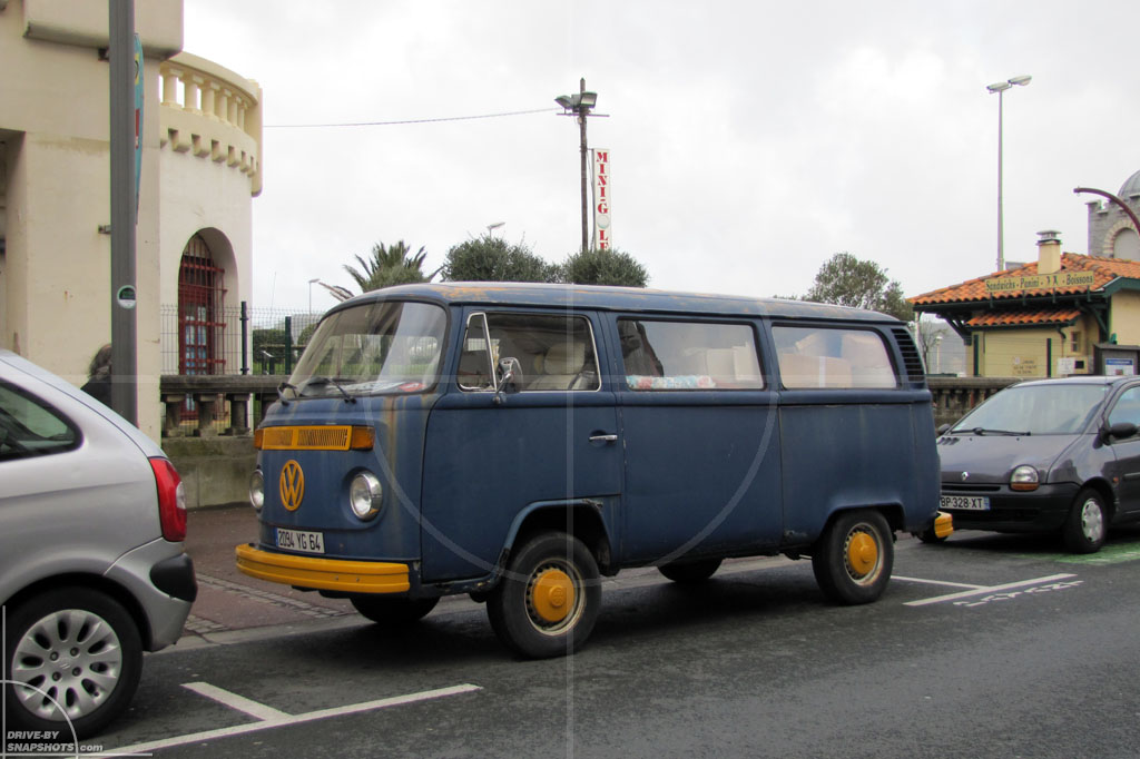 dbs Yellow and Blue Volkswagen T2b Hendaye | Drive-by Snapshots by Sebastian Motsch (2014)