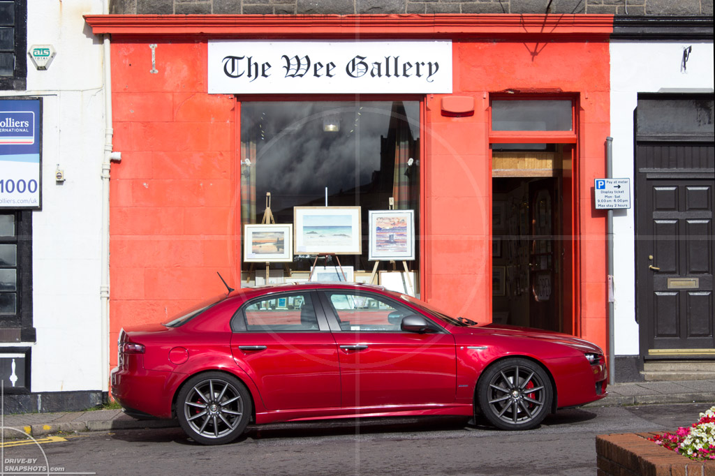 Alfa Romeo 159 in front of the Wee Gallery Oban Scotland | Drive-by Snapshots by Sebastian Motsch (2013)