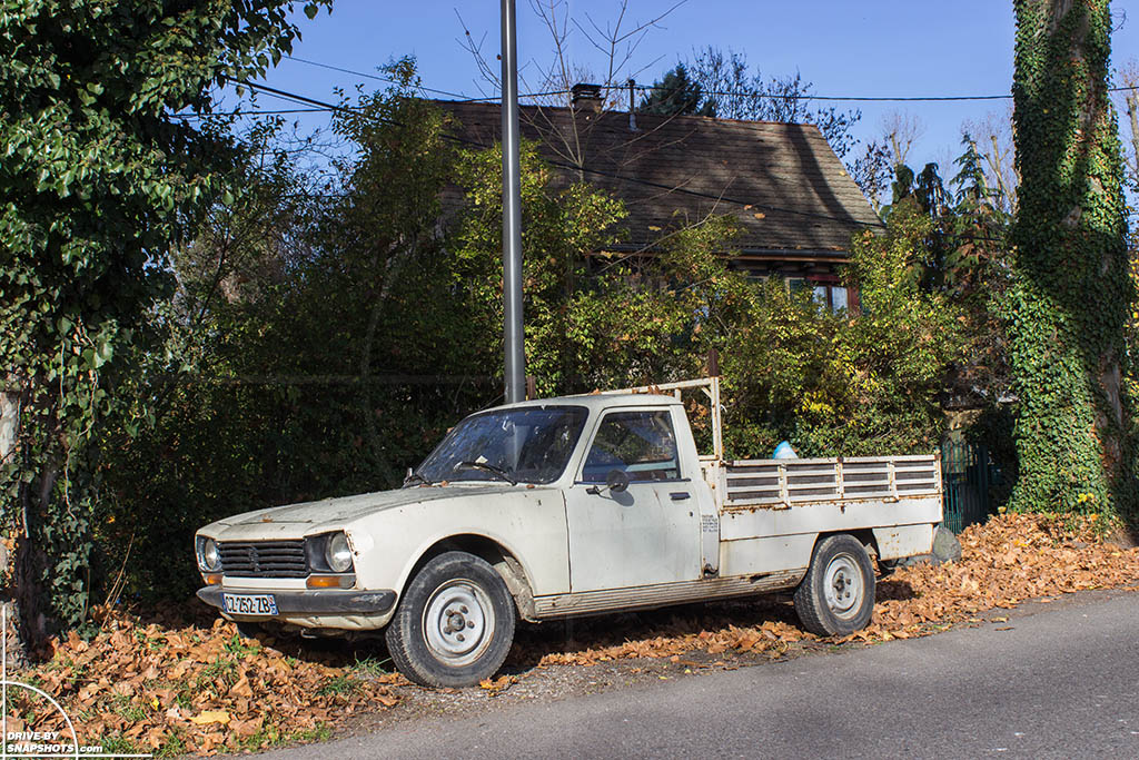 peugeot 504 pick up with more patina than rust drive by snapshots. Black Bedroom Furniture Sets. Home Design Ideas