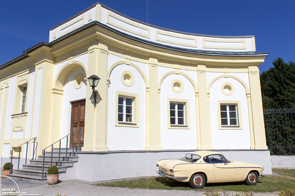 1963 Volvo P1800 at Schloss Freudenhain Passau | Drive-by Snapshots by Sebastian Mitsch (2014)