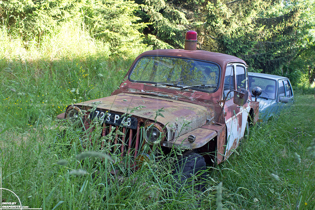 Willys MB Jeep with Renault R4 body conversion | Drive-by Snapshots by Sebastian Motsch (2016)