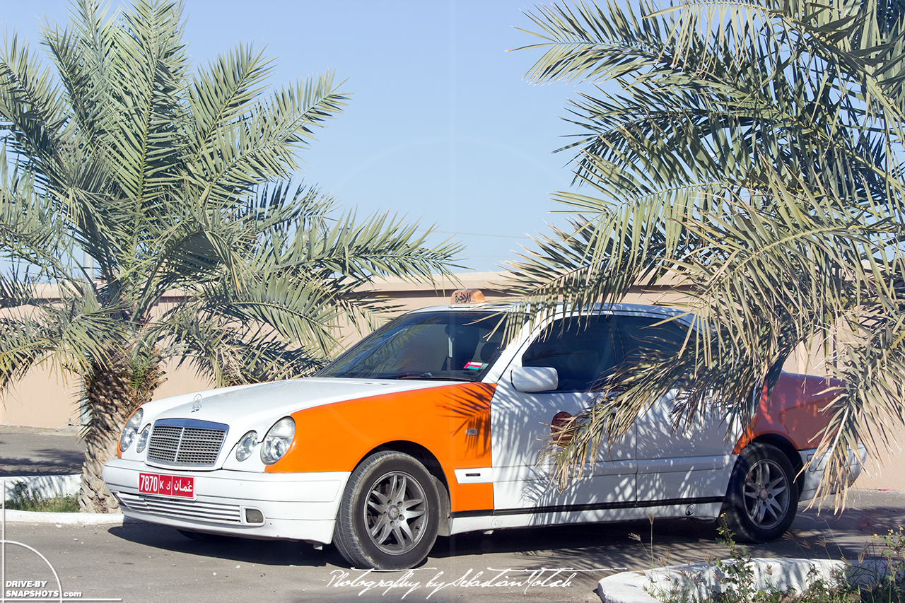 Mercedes-Benz W210 Taxi Manah Oman | Drive-by Snapshots by Sebastian Motsch (2015)