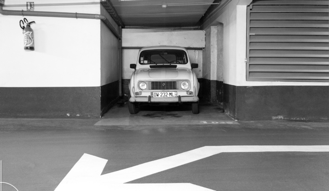 Renault R4 Nancy France   Drive-by Snapshots by Sebastian Motsch (2018)