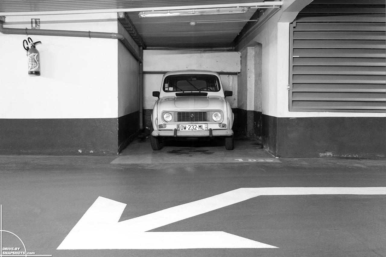 Renault R4 Nancy France | Drive-by Snapshots by Sebastian Motsch (2018)