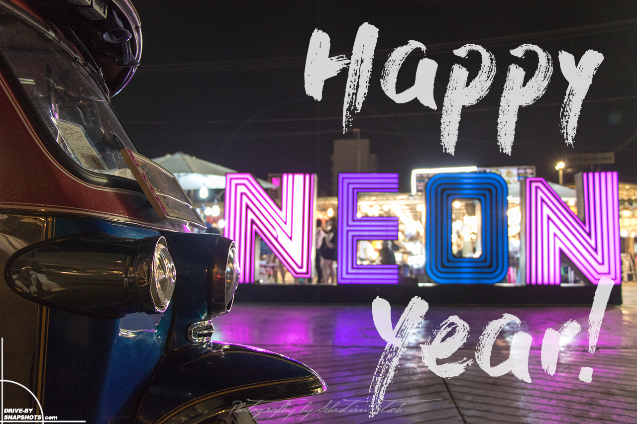 TukTuk Happy New Year Bangkok Neon Nightmarket | travel photography by Sebastian Motsch (2018)